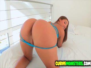 Amirah adara gets 그녀의 엉덩이 worshipped