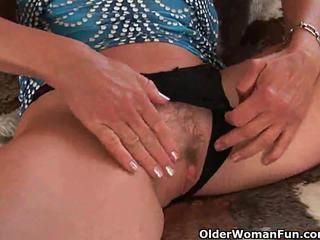 brunette, big boobs, cougar