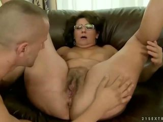 סבתא loves שלה ישן boyfriend