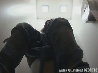 Første skjult kamera i toilets worldwide