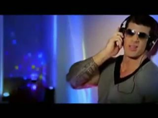 Muscle hunk perfection has egen musik video-