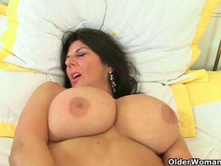 Uk 섹스하고 싶은 중년 여성 lulu lush 과 silky thighs 필요가있다 orgasmic.