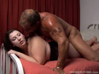 Pretty plumper enjoys a sticky facial cumshot