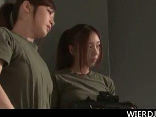 Roped groot titted jap leger chick gets hard geneukt in gan