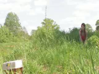 젊은 두 deepfucking 로 그만큼 lake