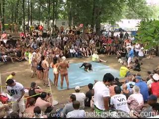 Strippers competing за мис нудисти north america награда
