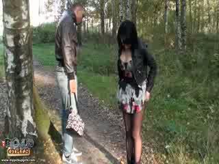 Rollig outdoors sex video gemacht im park
