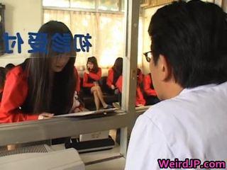 Asiatiskapojke flickor getting en amoral kön