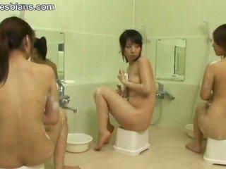 Mosaic: azjatyckie lesbijskie