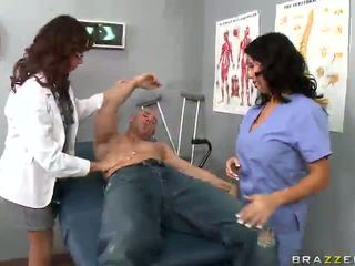 Hot docs have a crazy threesome with patient
