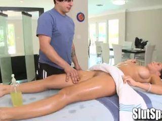 Rachel starr seduced selama pijat - slutspa.com
