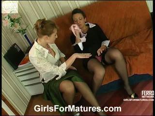 Bridget و sheila جبهة مورو في lesbie عملية