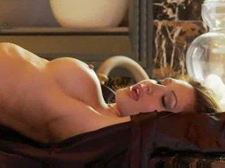 Angela taylor na párty nahý