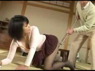 Starý člověk a sexy japonská mladý manželka