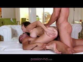 Passion hd: първи dp за мадама holly michaels