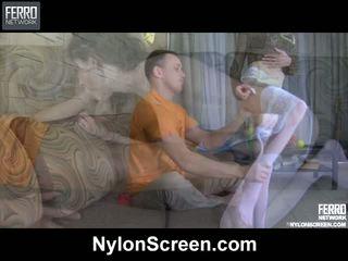 Agatha connor nylon duo in azione