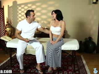 Trickyspa veronica avluv gets yüksek topuklar için masseur
