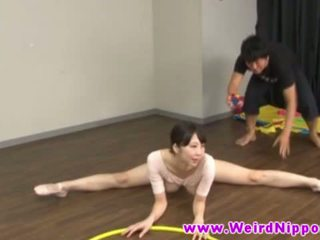 Flessibile asiatico ballet bambola fica licked