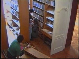 Ruský dívka v knihovna 1