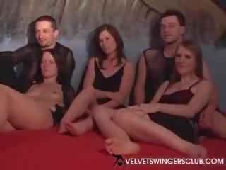grupu sekss, svingeri, trijatā