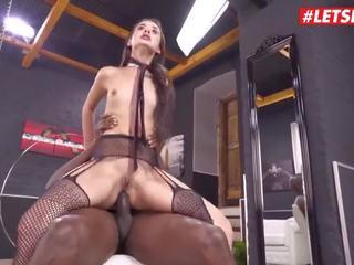 Letsdoeit - rupjības anāls sekss ar ekscentriskas brunete pusaudze