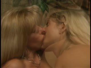 cumshots, lesbiske, trekanter