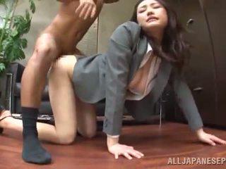 Tsuna nakamura has banged į an gražus pozicija į an ofisas