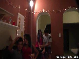 Indoor hogeschool seks party