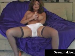Hot Cougar Deauxma Dildo Fucks Her Pussy & Squirts: Porn d0