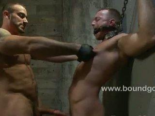 Spencer likes het ruw met slaaf jessie