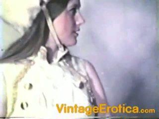 Vintage lesbo rendimiento alrededor niñas dentro band