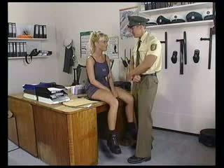 blondýnky, velká prsa, vojenský