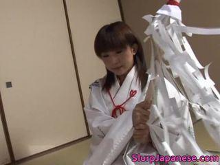 Wild babe kitajima performs fantastisch orall service