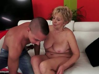 Rinnakas paksuke grandmas seks kogumik