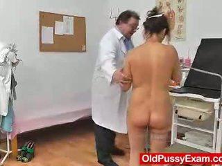 Rūdmataina mama vagīna physician loma spēlēt