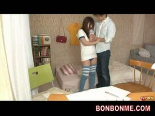Mësues gives seks arsim në adoleshent gjoksmadhe vajzë 002