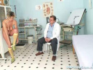 Vecāks vanda gyno vāvere reflektors checkup pie gyno cl