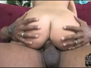 Beverly Hills Let Hot Dick Ride Her Beaver