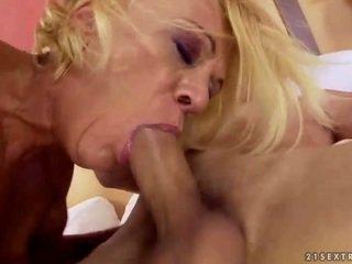 Pelosa nonnina gets scopata carina difficile