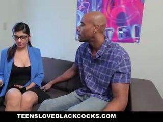 Mia khalifa fucks גדול שחור זין