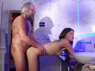 Adolescenta senzual pula masaj și pasarica la dracu cu mare penis
