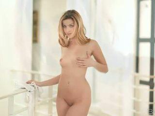 Pornstar Abigaile Johnson nailed