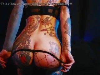 kaprīze, sīka auguma, tetovējums