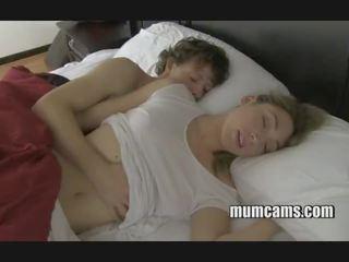 Ύπνος γαμήσι μαμά