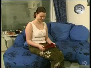 Viņa loves the clean noskūties - julia reaves