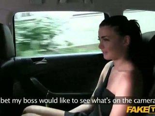 Smēķētāji karstās scarlet scammed uz taxi