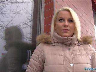 Publiek agent heet blondine lucy shine takes cash voor seks