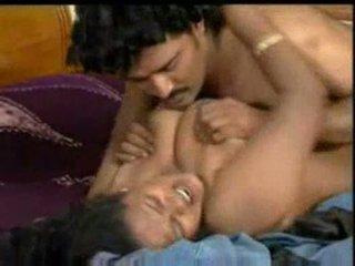 Indiane mallu aktore enjoying me costar në bluefilm pjesë 2
