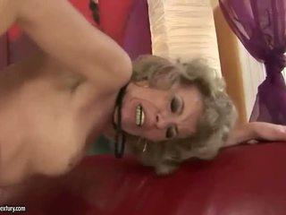 Lama si rambut perang appreciates besar seks