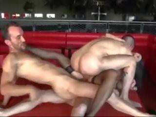 Karstās brunete gets trīskārtējs vaginal penetration dvp dap.